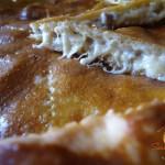Focaccia con salsiccia e provolone