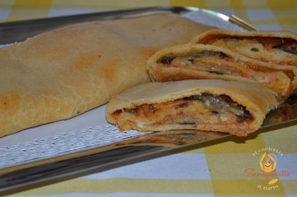 """Focaccia ragusana (""""scaccia rausana"""") con le melanzane"""